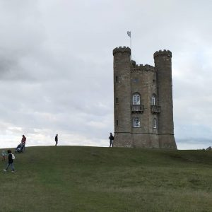 Wool Painting course at Broadway Tower barn in Cotswolds with Artist Raya Brown