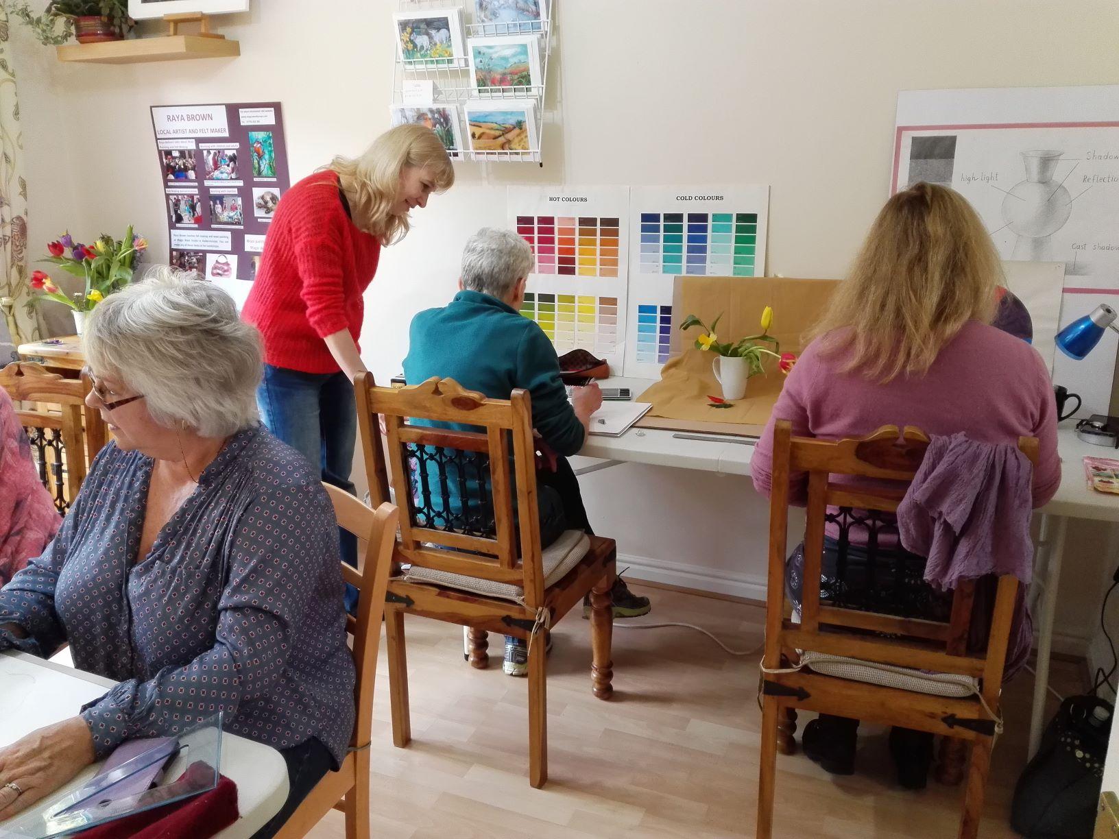 Raya teaching Art course for absolute beginners in Kidderminsters Worcestershire